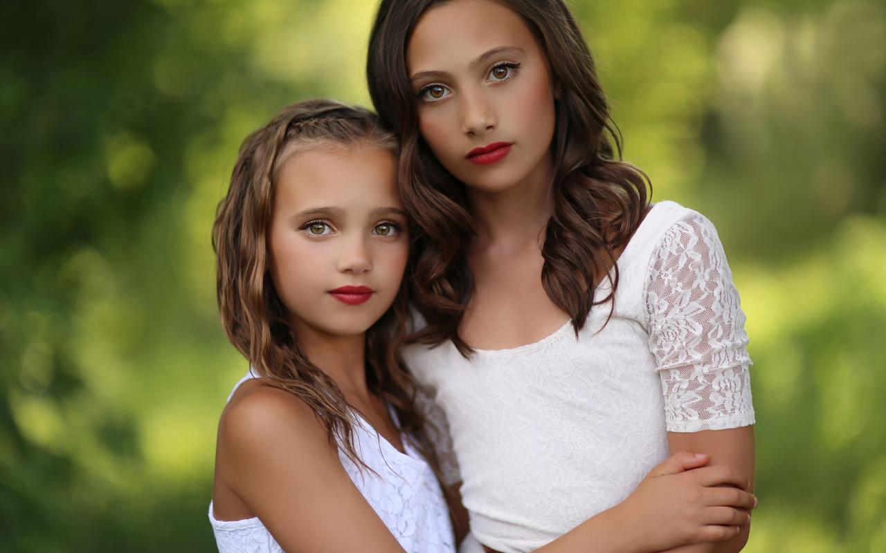 картинки две сестры старшая и младшая выглядит лучше