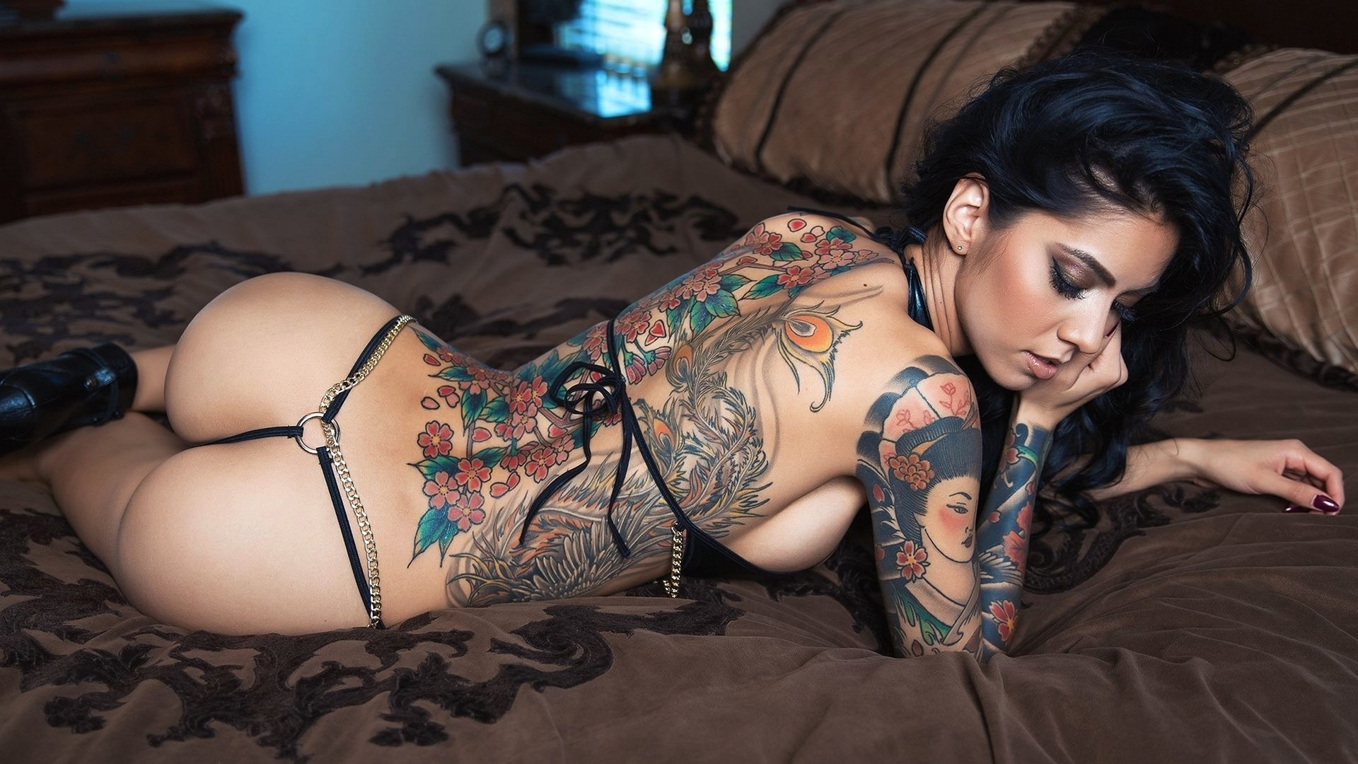 Tattoo girl nude pics booty training larvinmusic