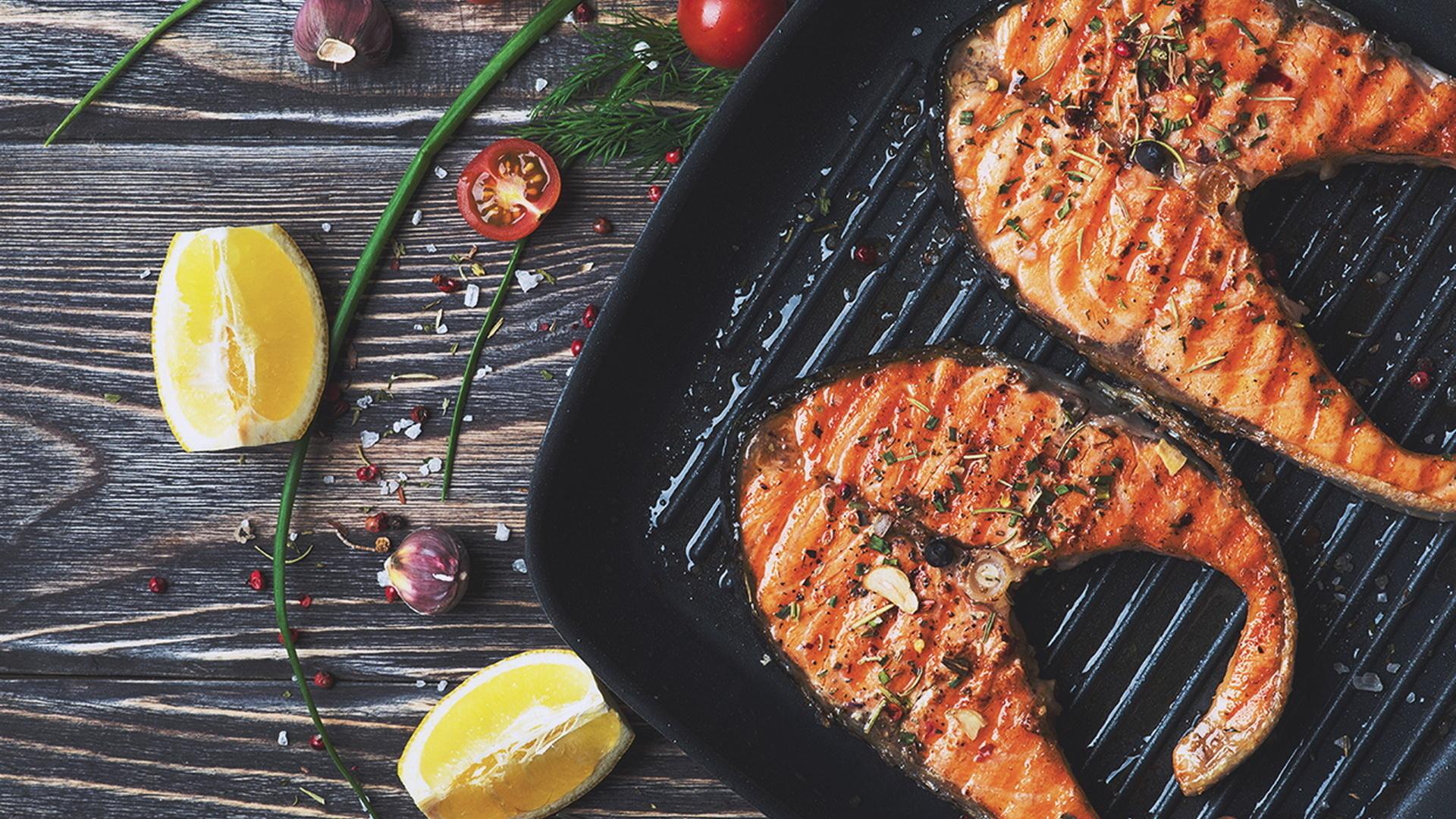 картинка рыбка на сковороде вот парабенов