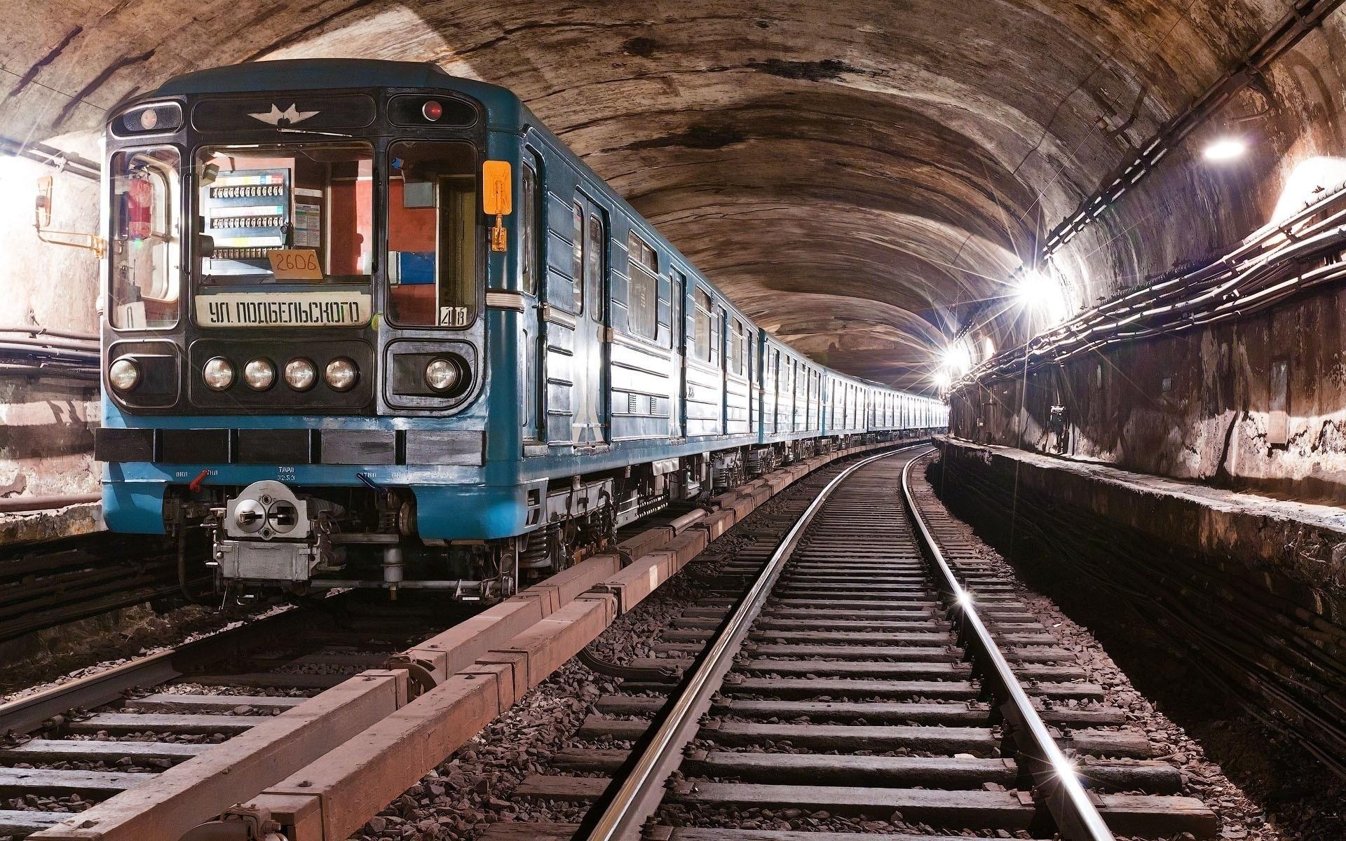 Картинка электропоезда метро