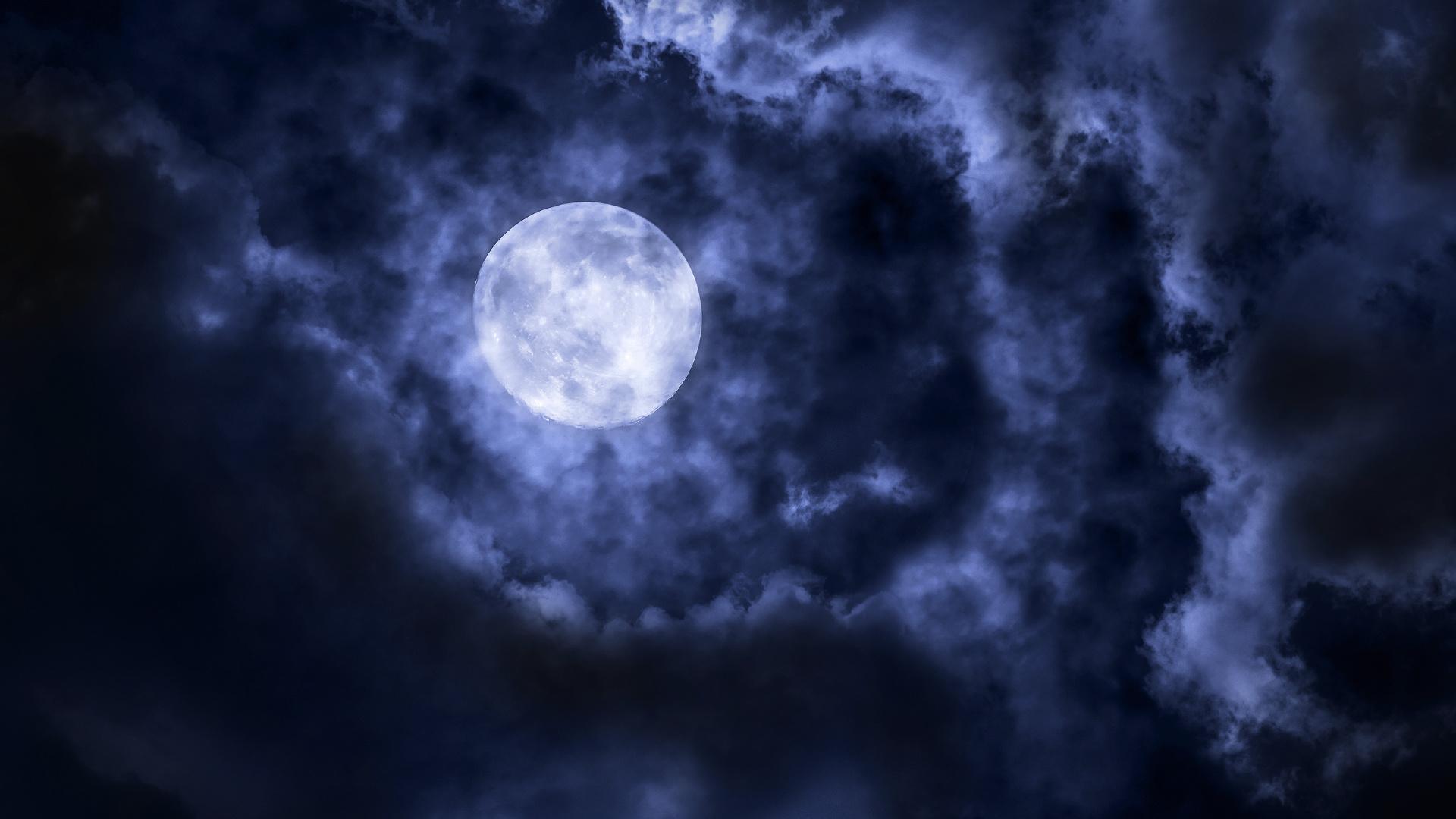 Луна в небе тучи картинки
