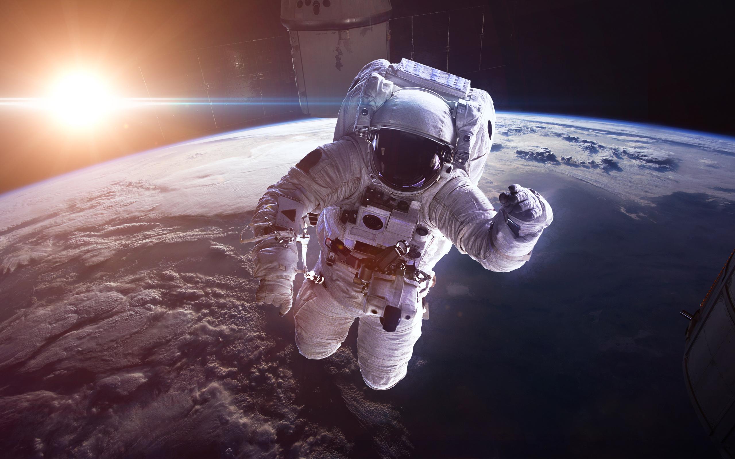 картинки космос и космонавт это значит