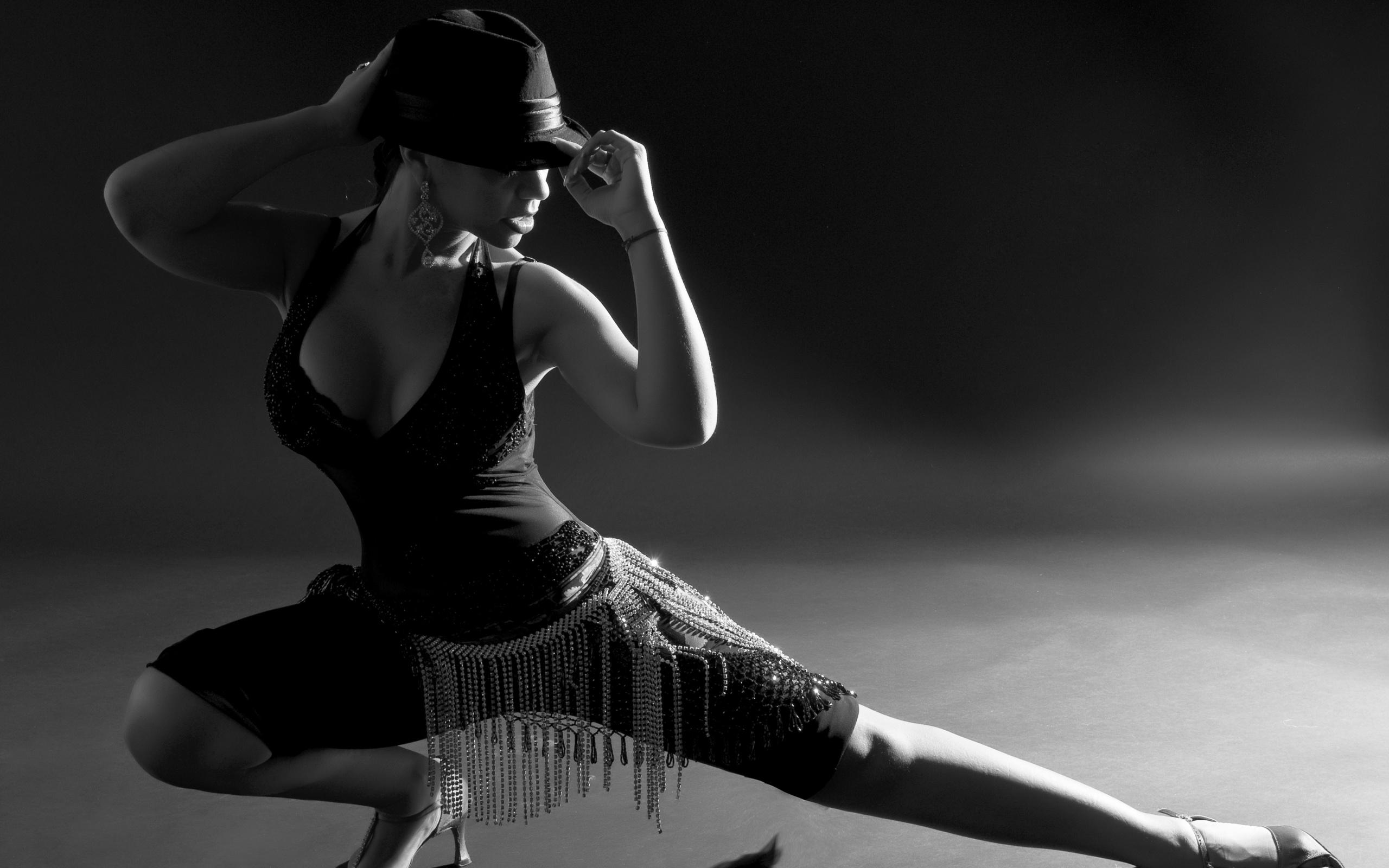 Года, картинки танец девушки
