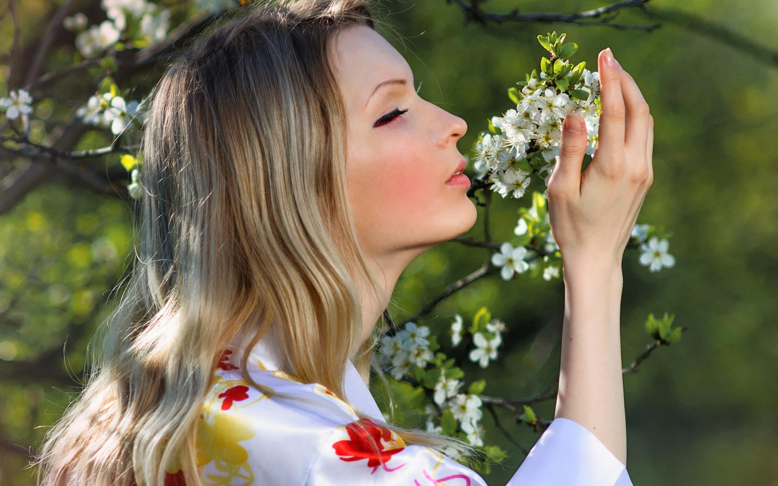 каждый картинки запахи цветов регулировщик