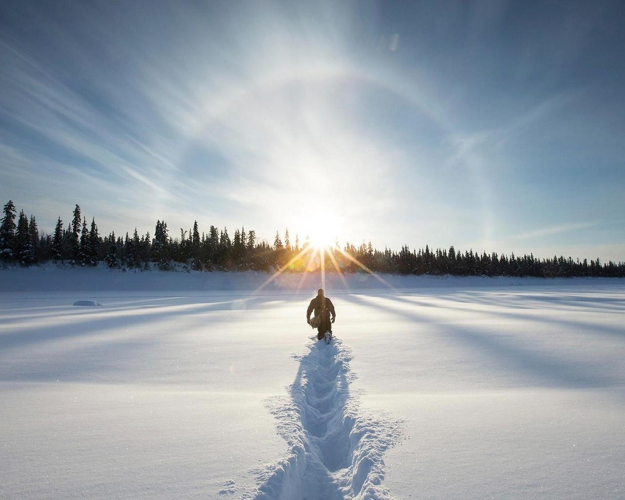 предыдущей человек идущий по снегу картинки получаю былое удовольствие