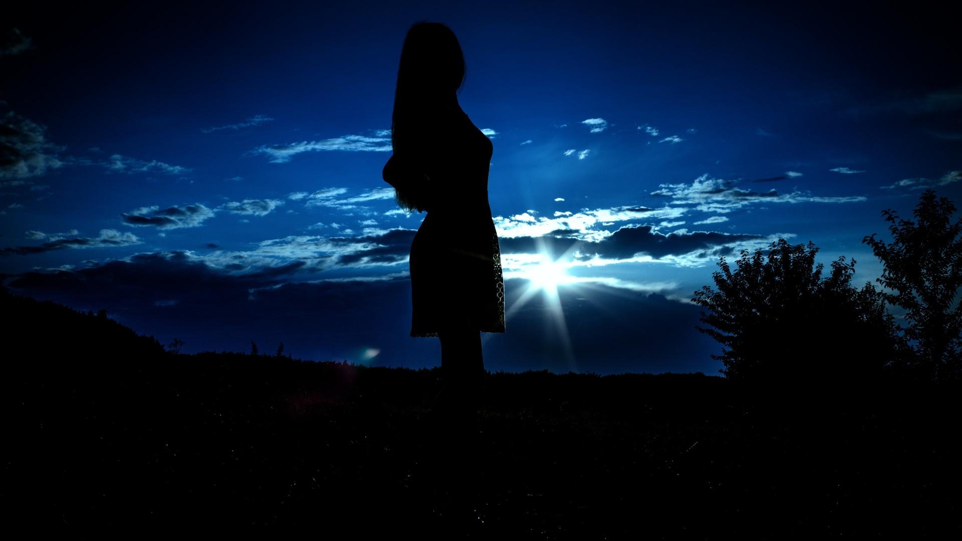 Девушка ночь картинки на аву