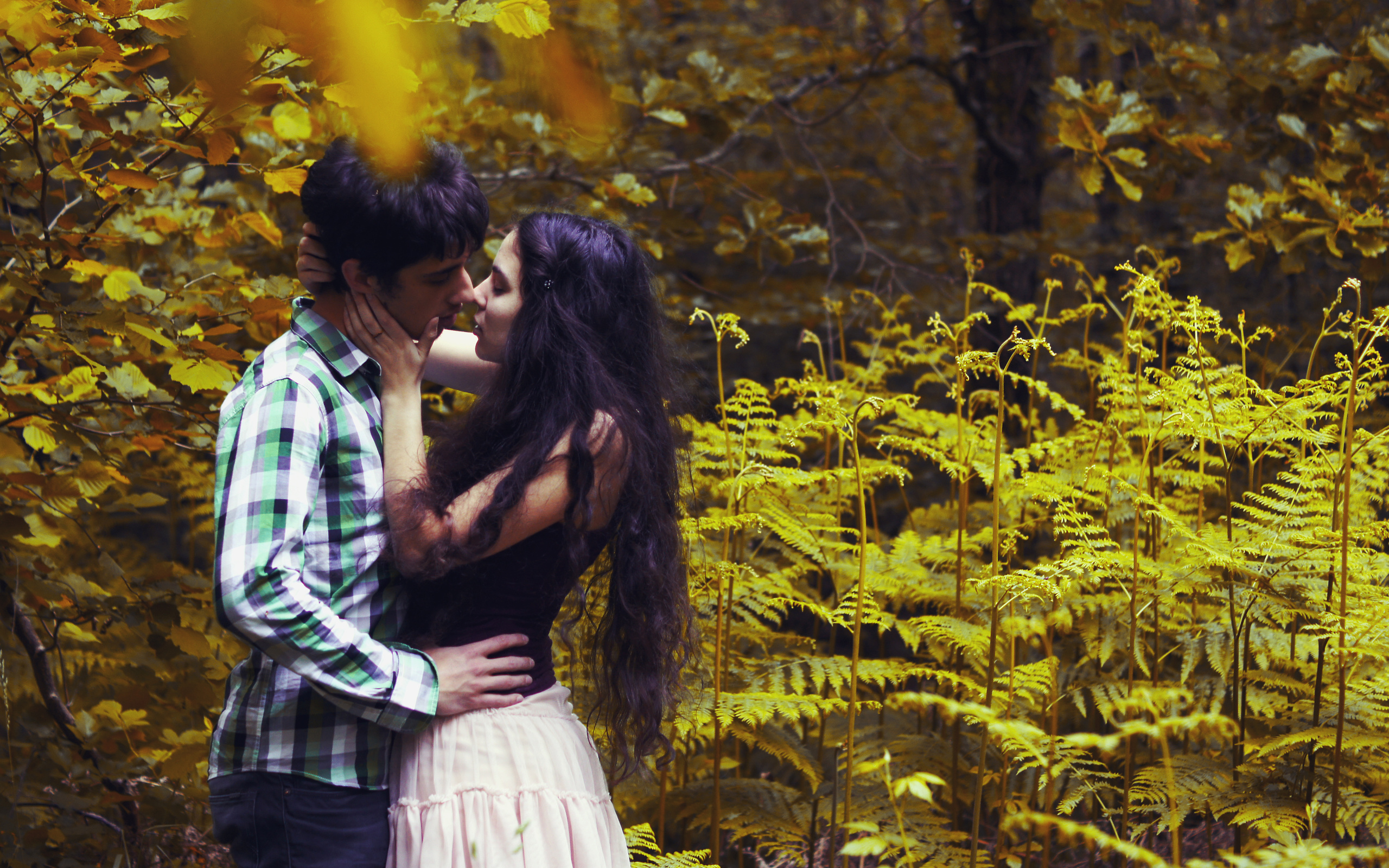 Видео любовь парня и девушки в лесу 5