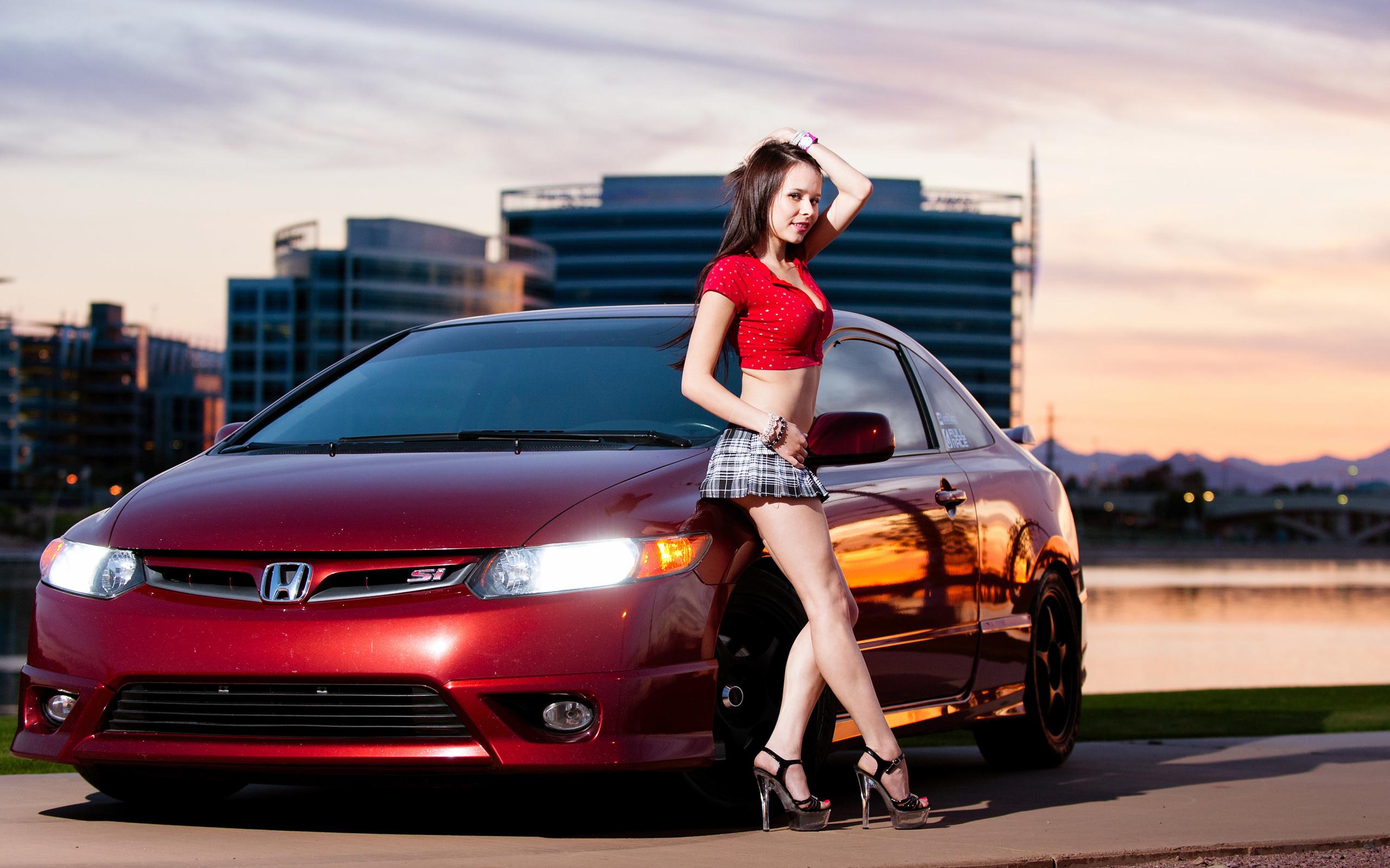Красивая картинка девушка и автомобиль