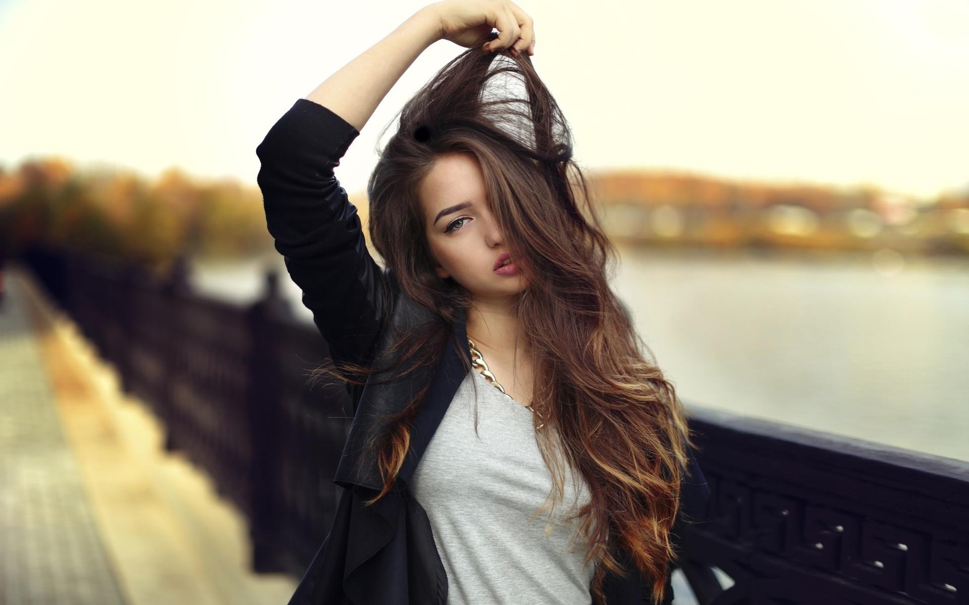 Картинки девушек с красивыми волосами на аву