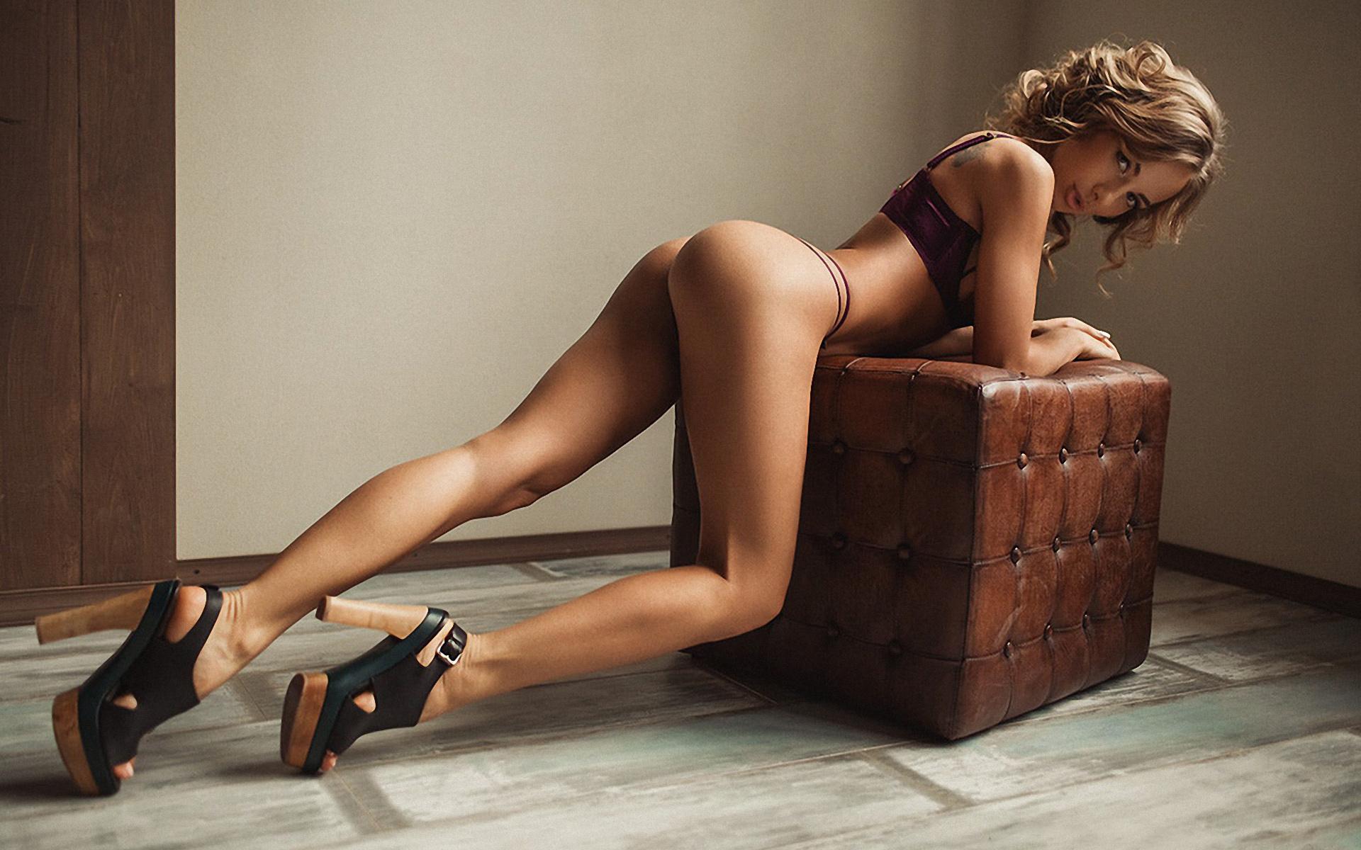 Handsome Naked Women Wearing High Heels