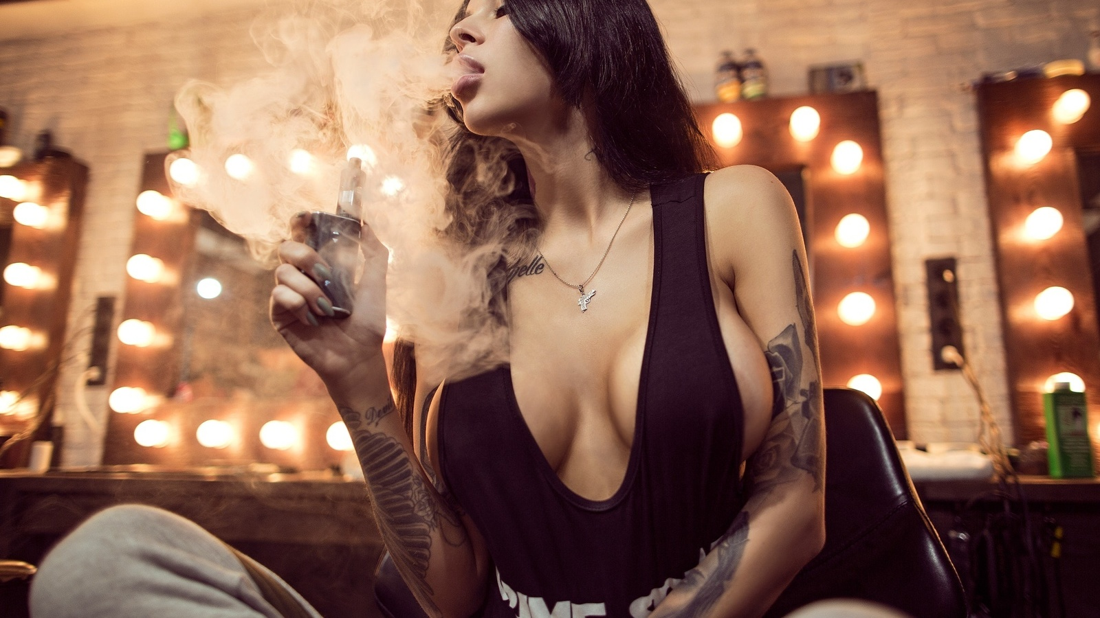 smoking-big-tits