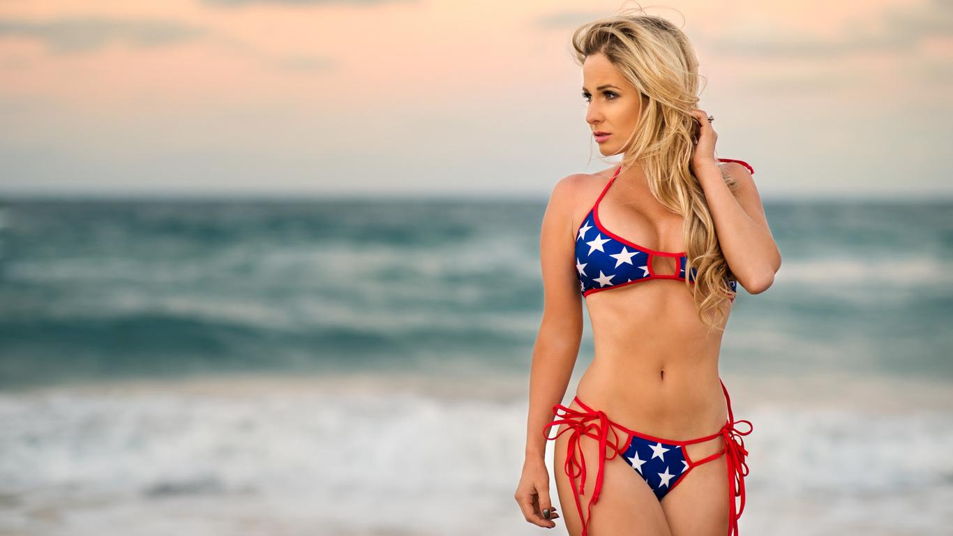 fotki-samih-krasivih-devushek-blondinok-v-bikini