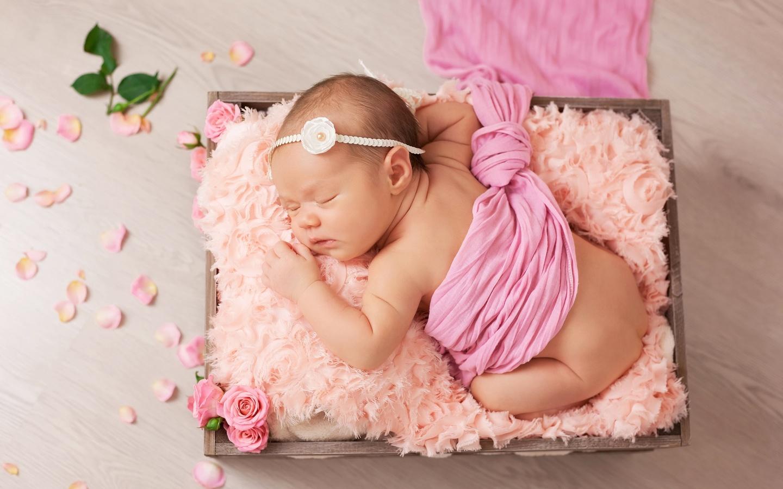 интересные картинки с рождением дочки камерон диаз