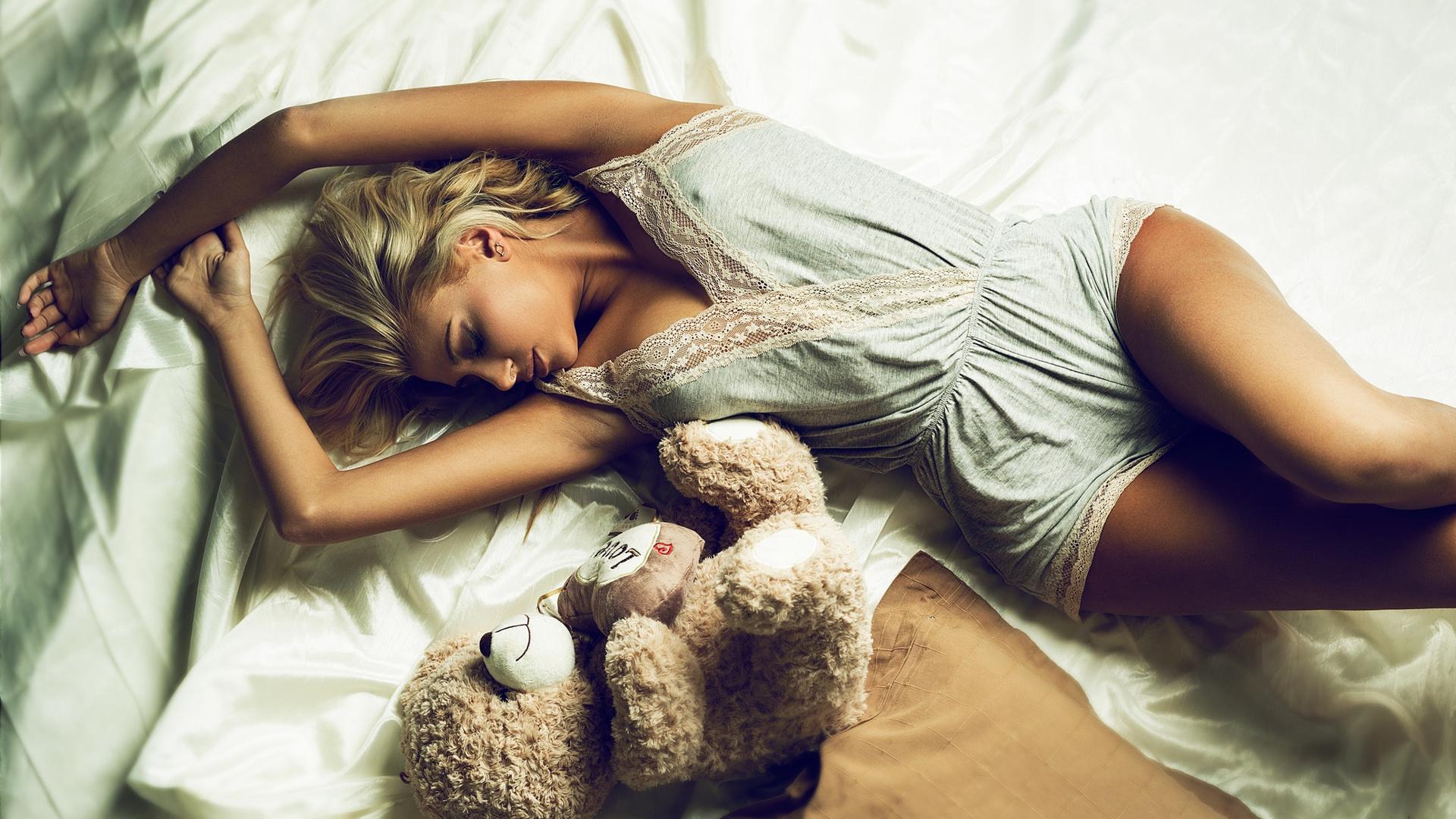 Картинки блондинка устала