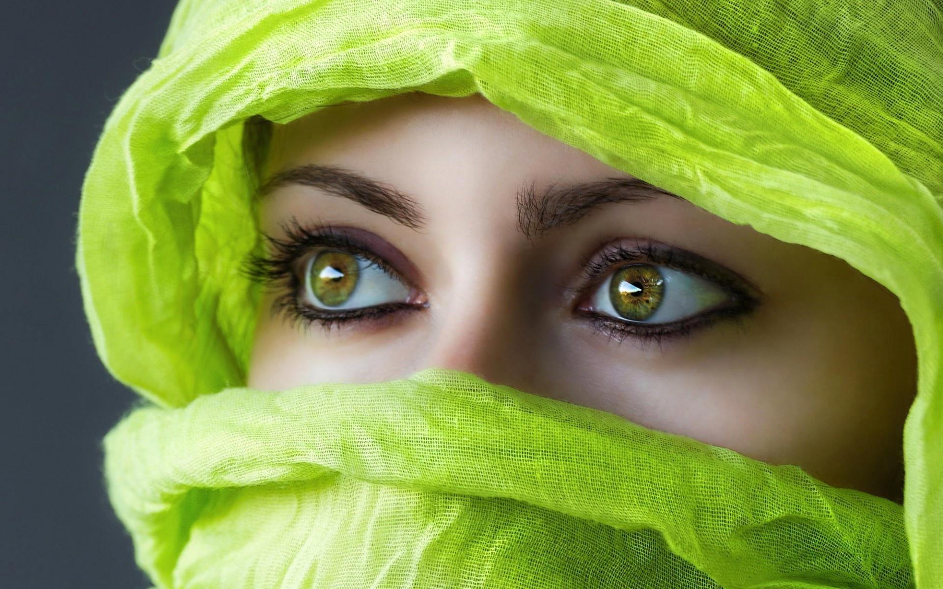 Картинки зеленые глаза девушка