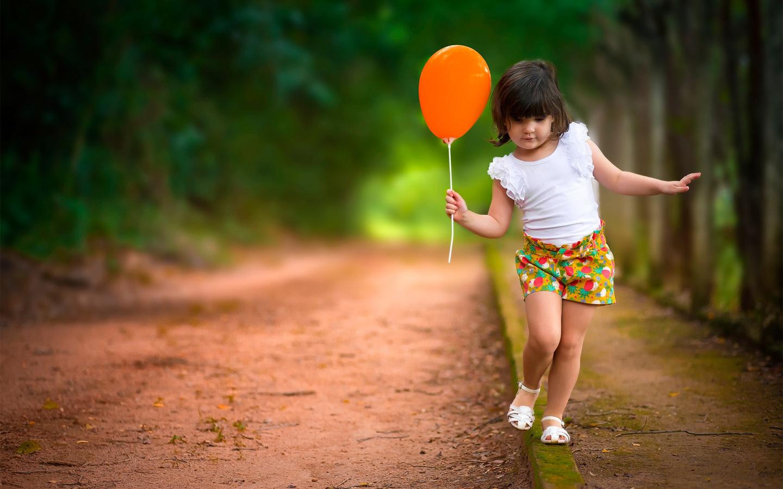 Картинка дети с шариками