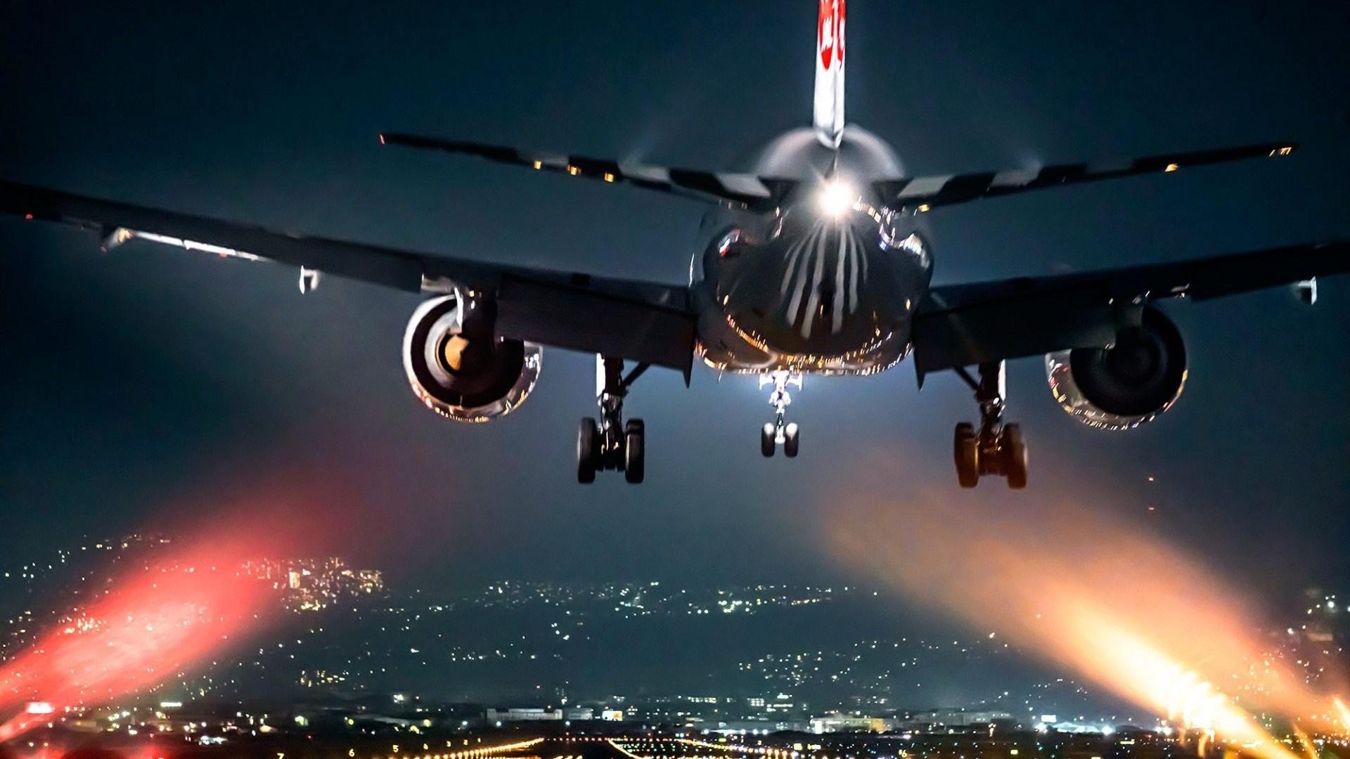 картинка с обложки самолетом первой команды