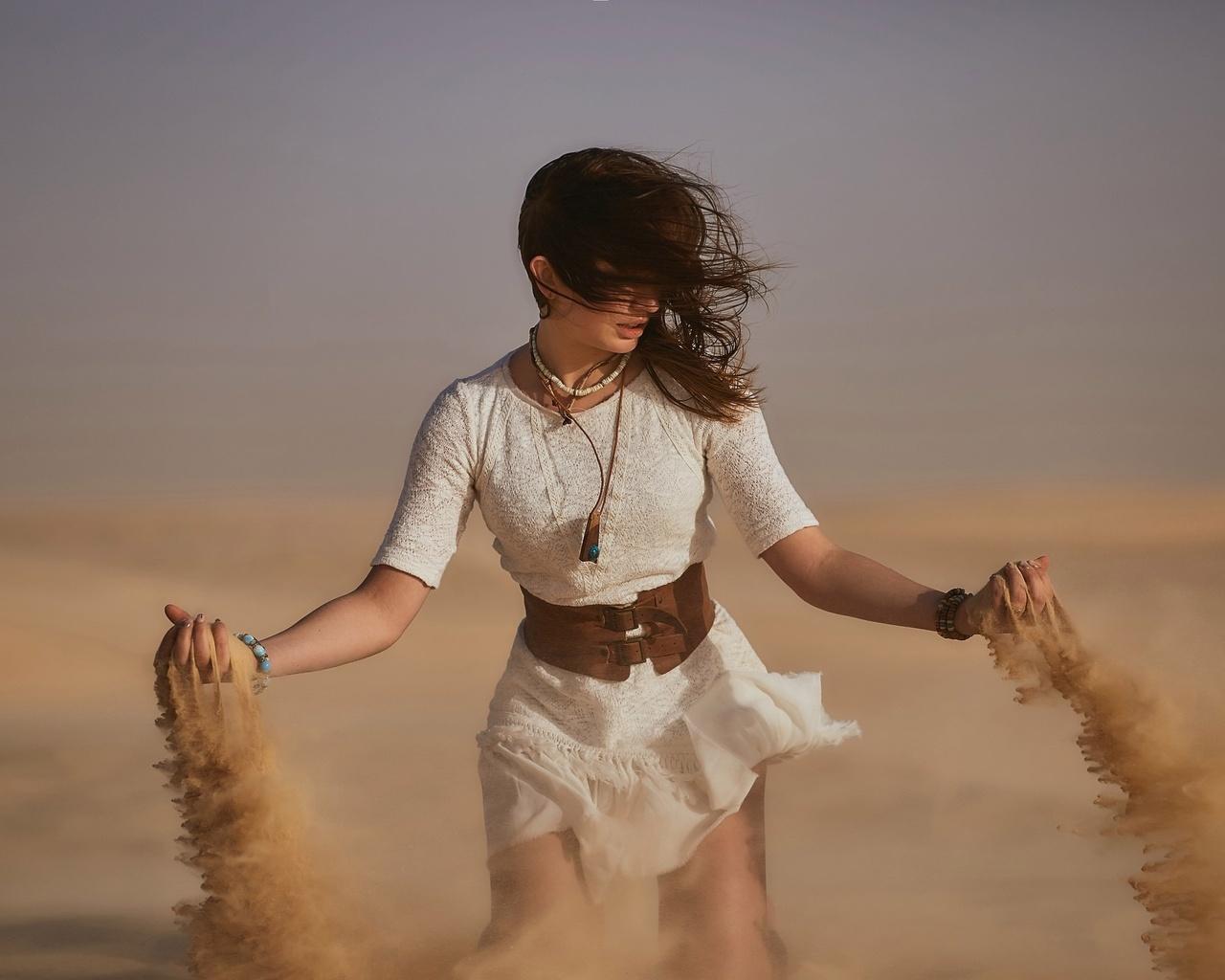 Девушка с песком картинки