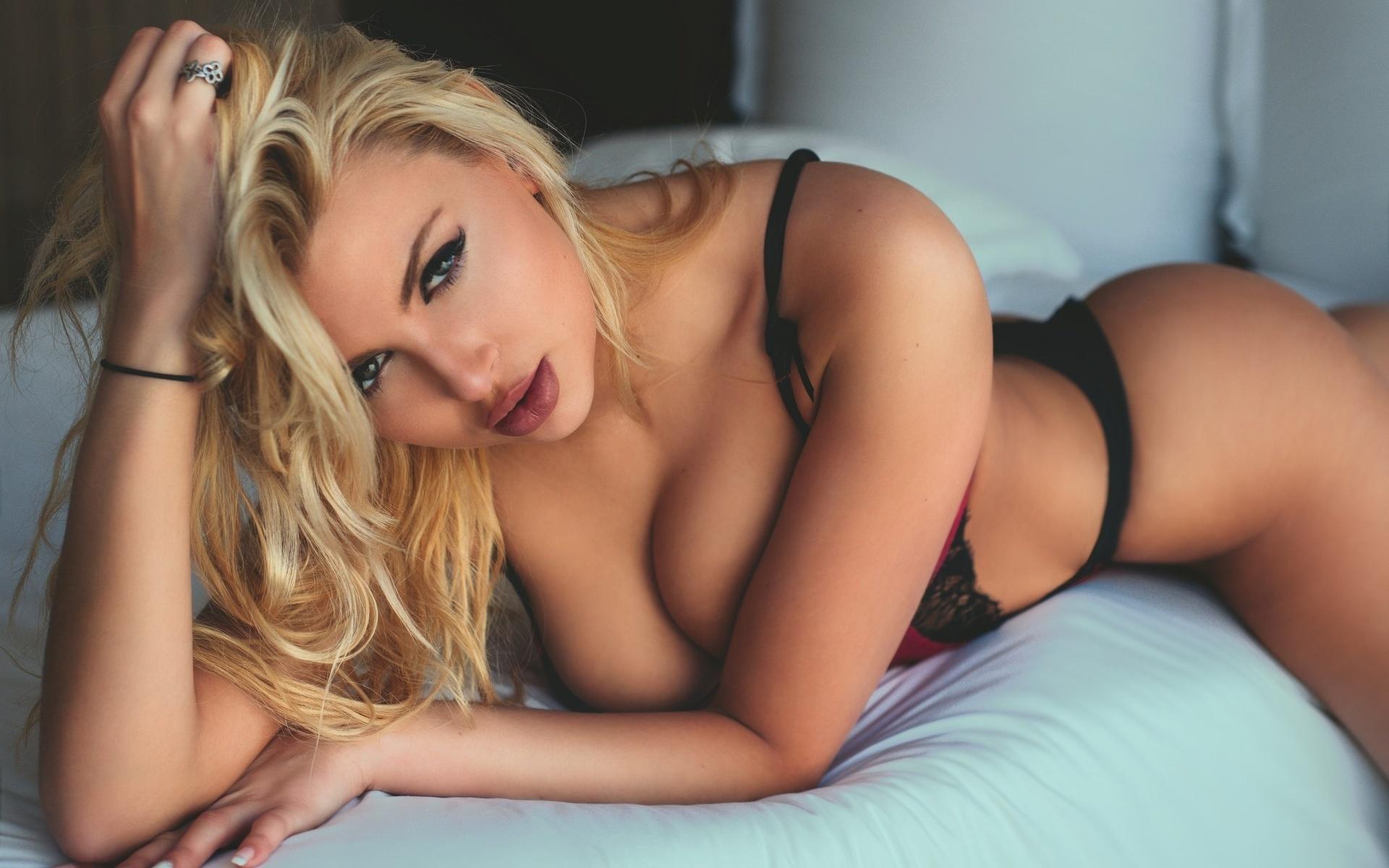 Блондинка скачать сексуальная скучающая