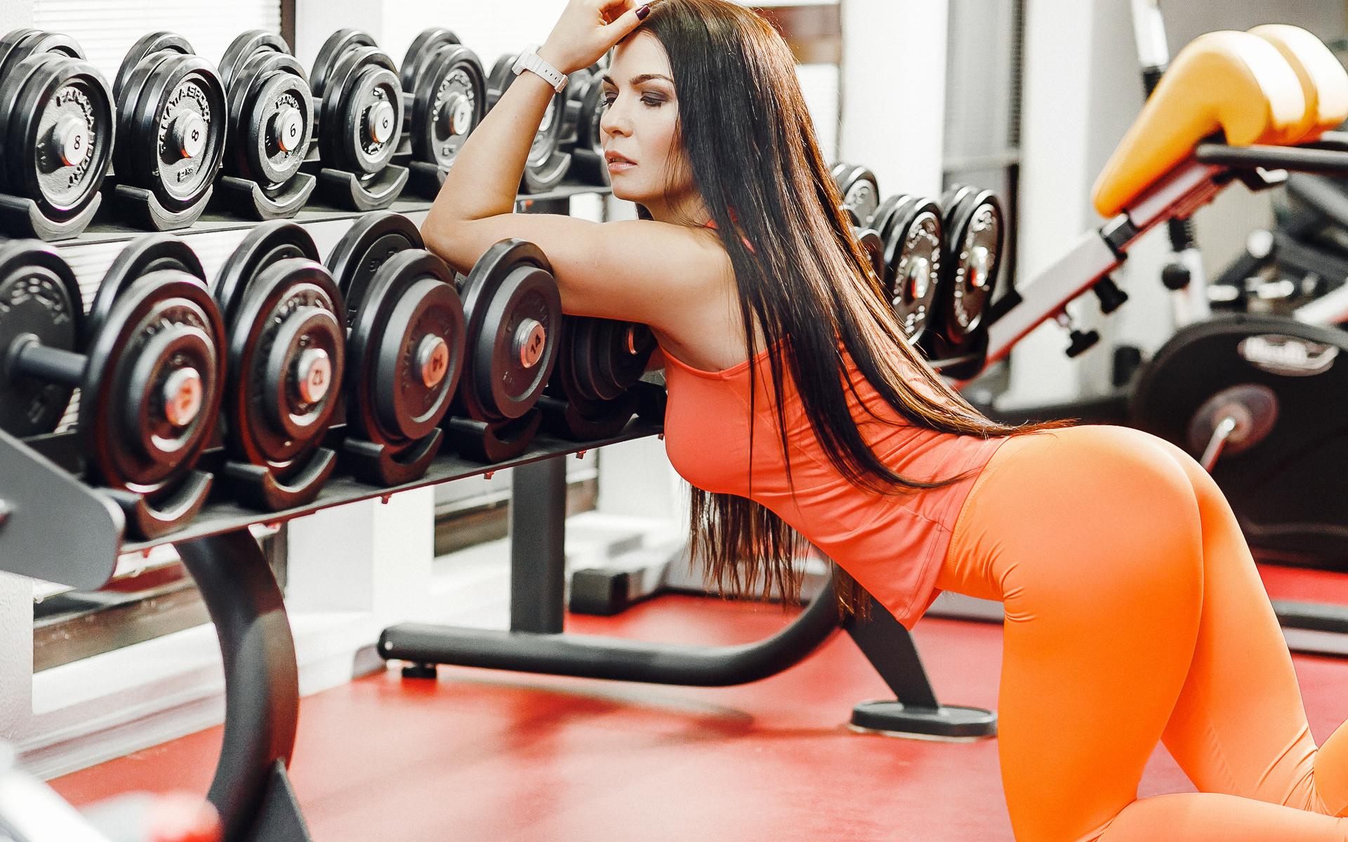 женщины подобный видео девушек в фитнес зале обращаем