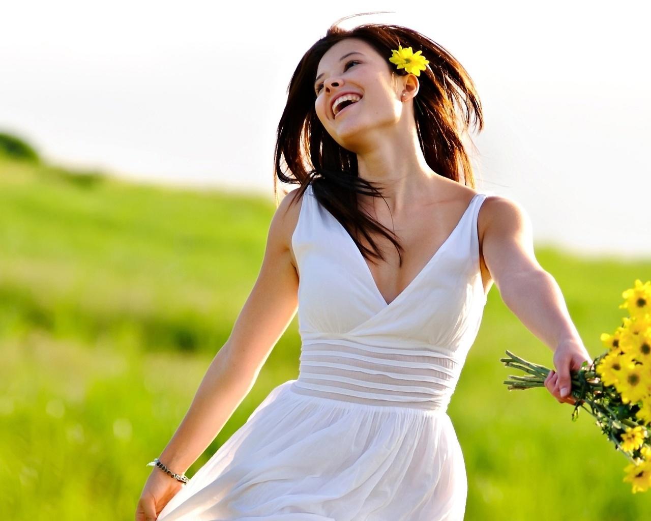 Картинка счастливая девушка