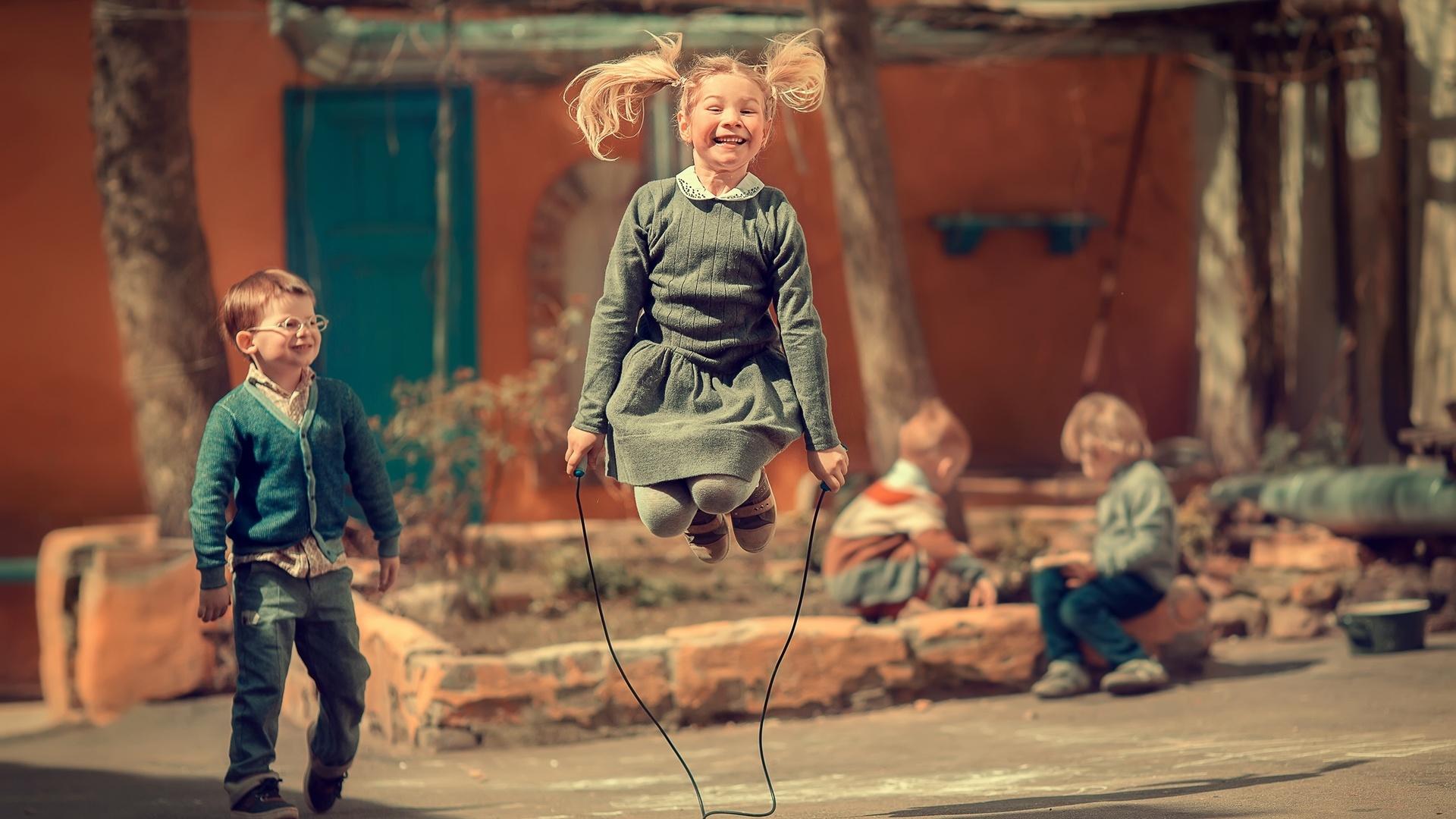 поделиться картинки про дитинство особо запущенных