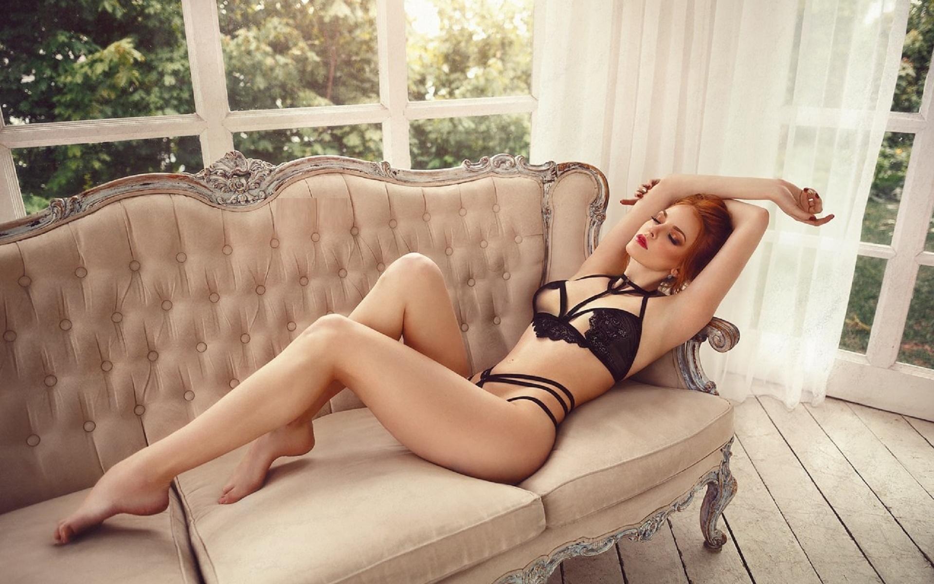 Фото категория сексуальные ножки, Голые ножки - красивые девушки с голыми ногами на фото 18 фотография