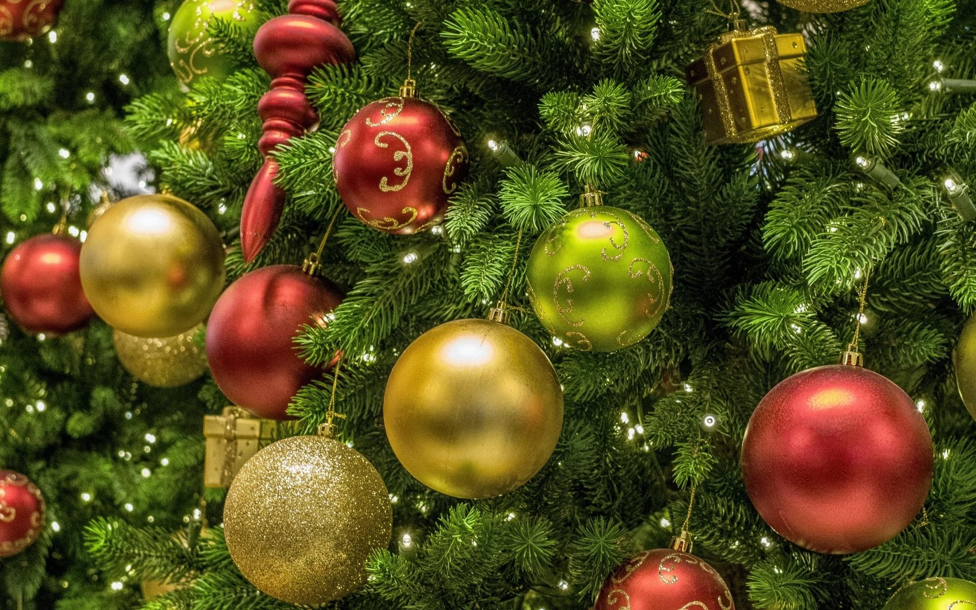 нужно картинки новогодней елочки с шарами выяснилось, болезни модельер
