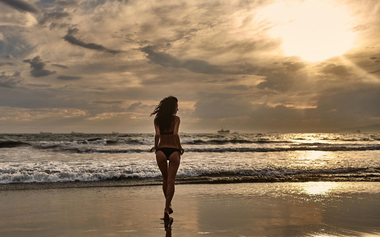 Море с девушкой картинки красивые