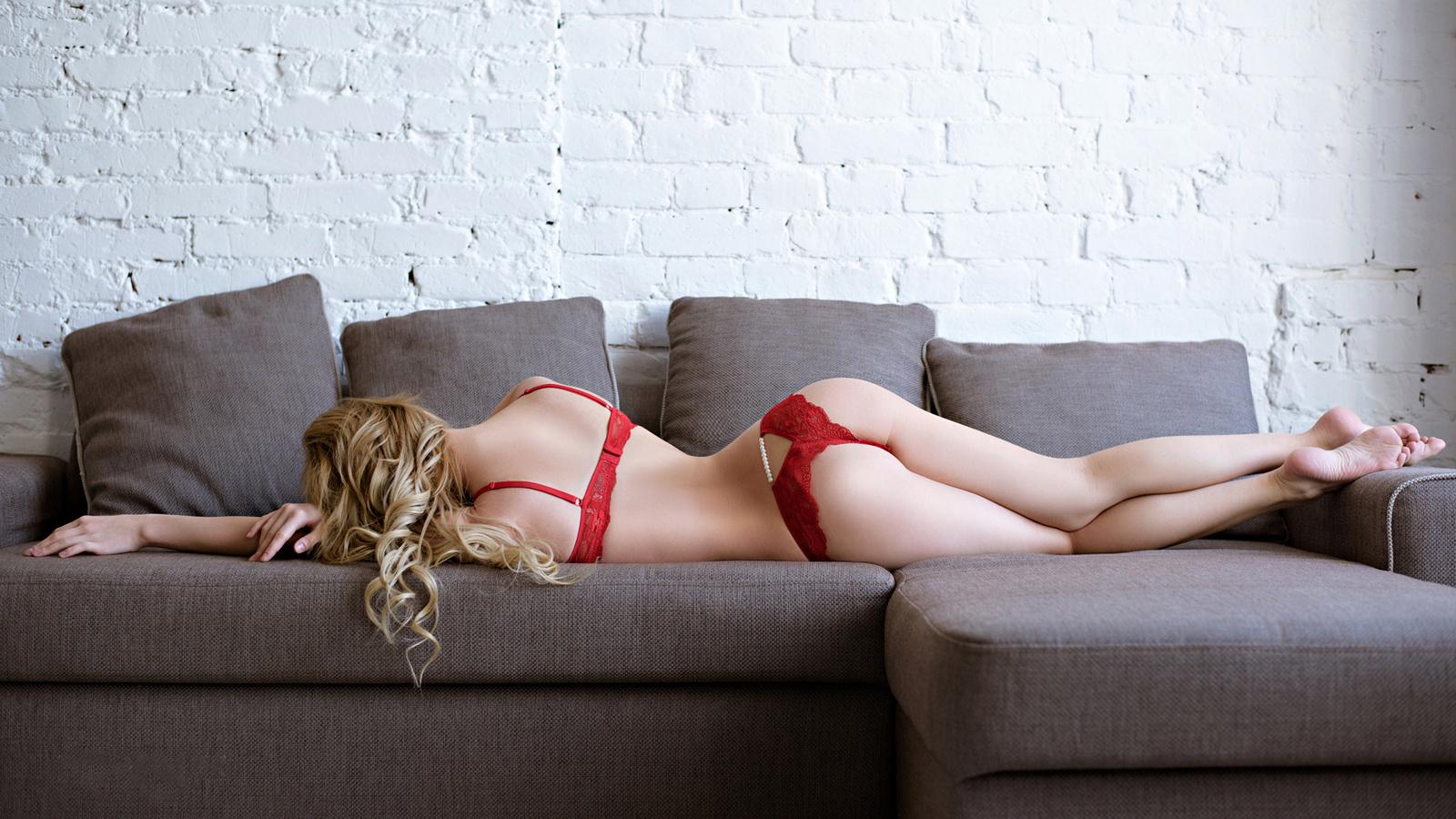 Фото девочка раздвинула попу, Девушки раздвигают попку частное фото - Частное секс 19 фотография