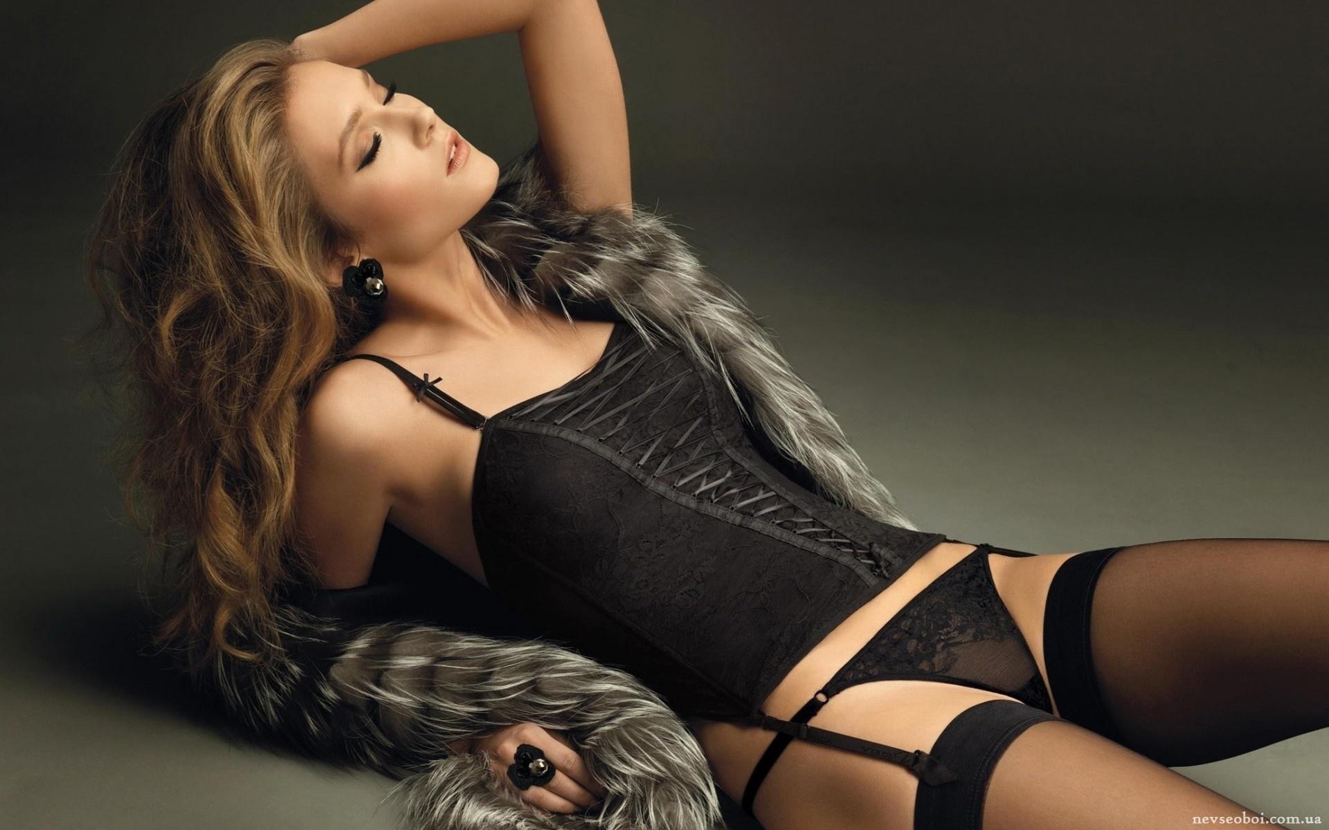 Фото женщин в колготках и нижнем белье, порно фото с двумя брюнетками