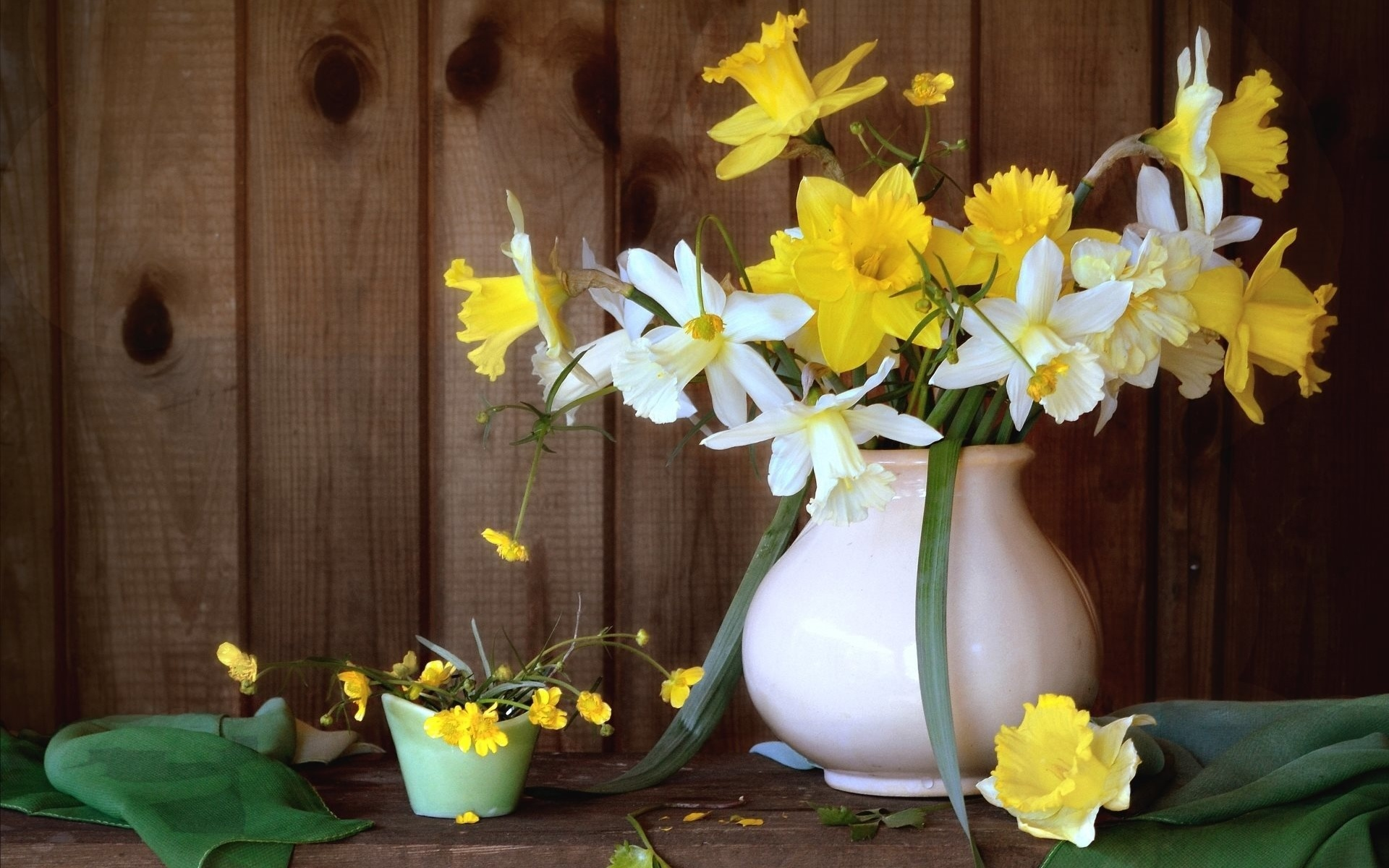 ваза с весенними цветами фото