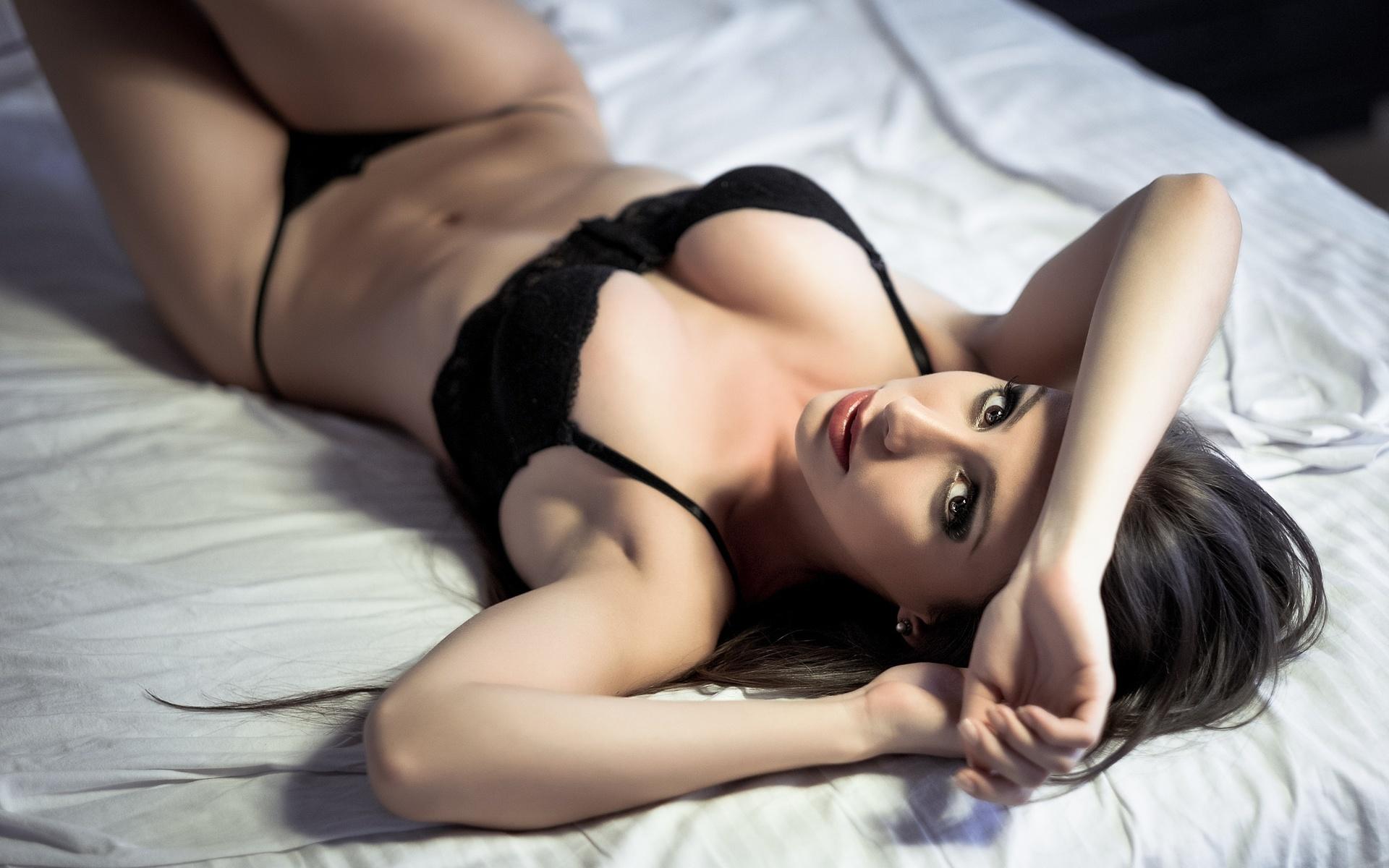 Росас порно смотреть онлайн видео девушки в нижнем белье на кровать