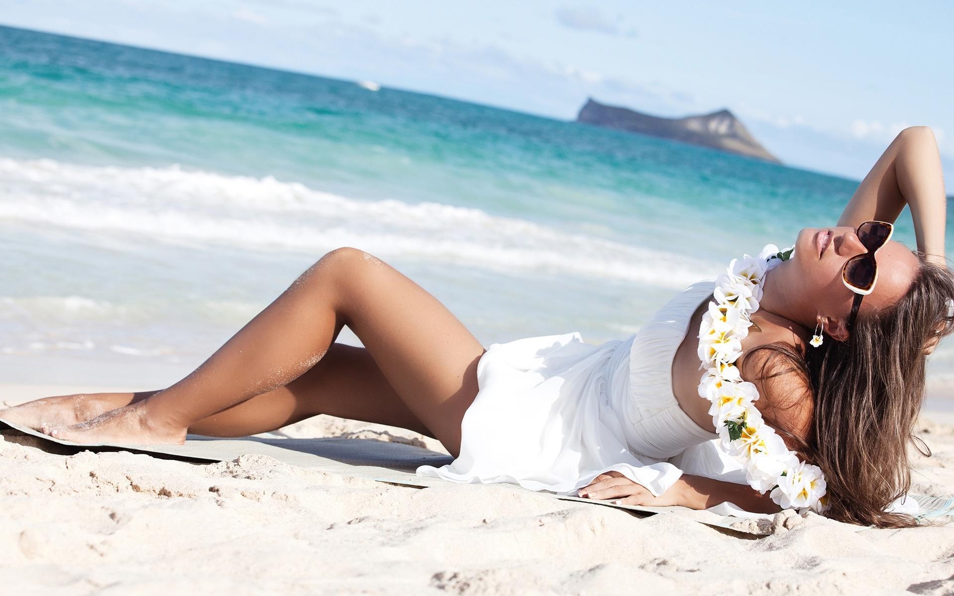Картинки пляж и девушки