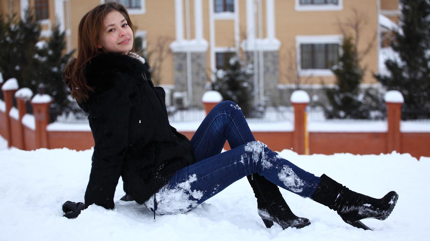 картинки с красивыми сидящими на снегу торжественный