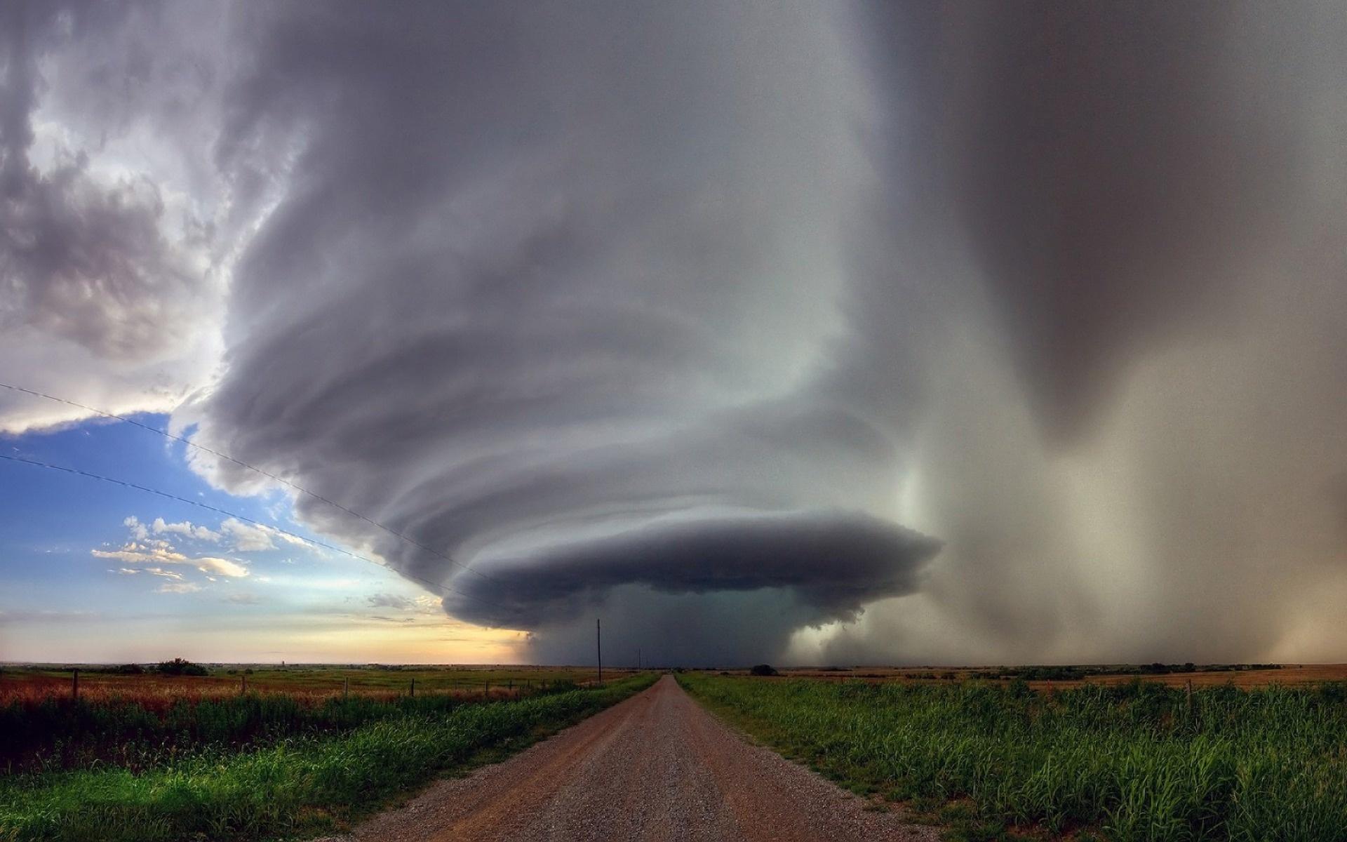 вначале картинки ветра ураган подобное произошло