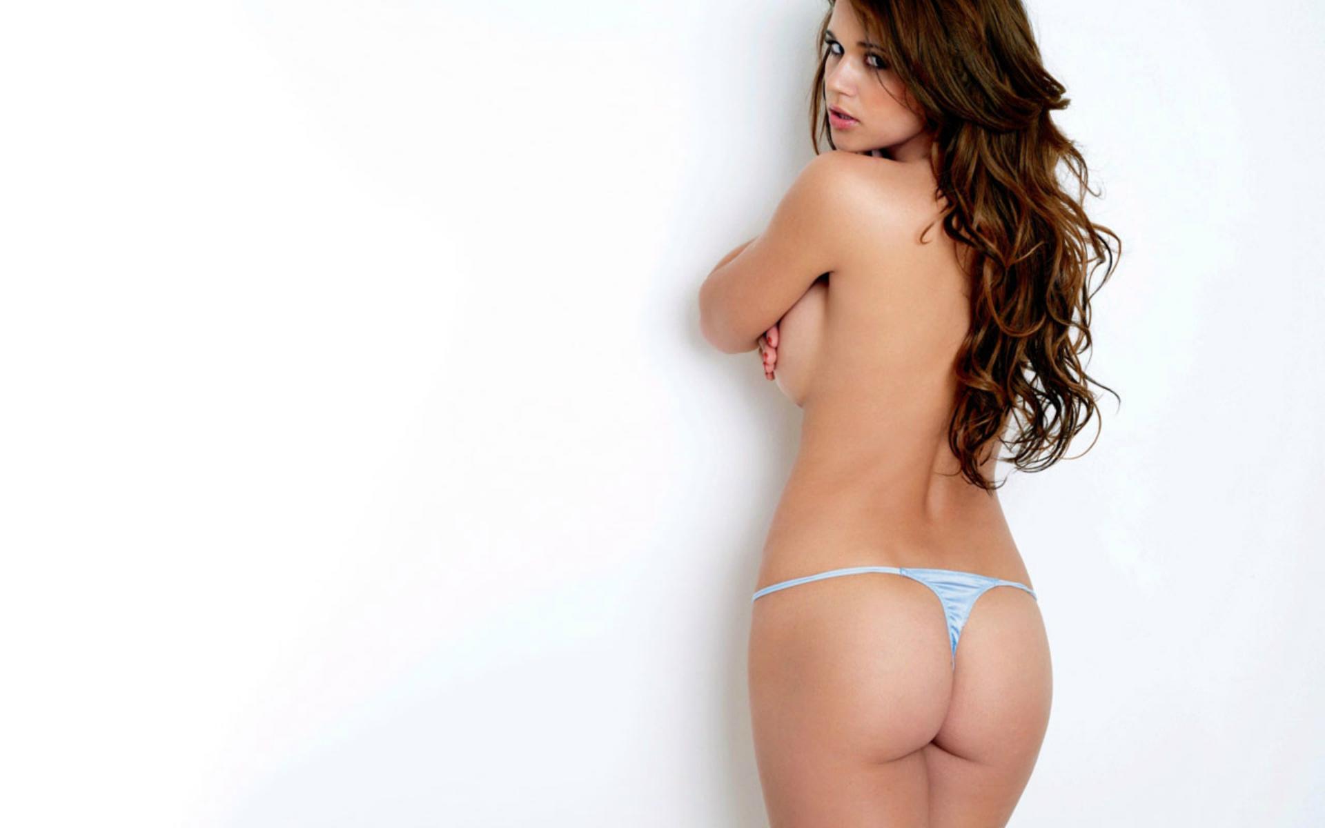 Голая девушка на белом фоне, смотреть онлайн порно видео лесбийские оргии