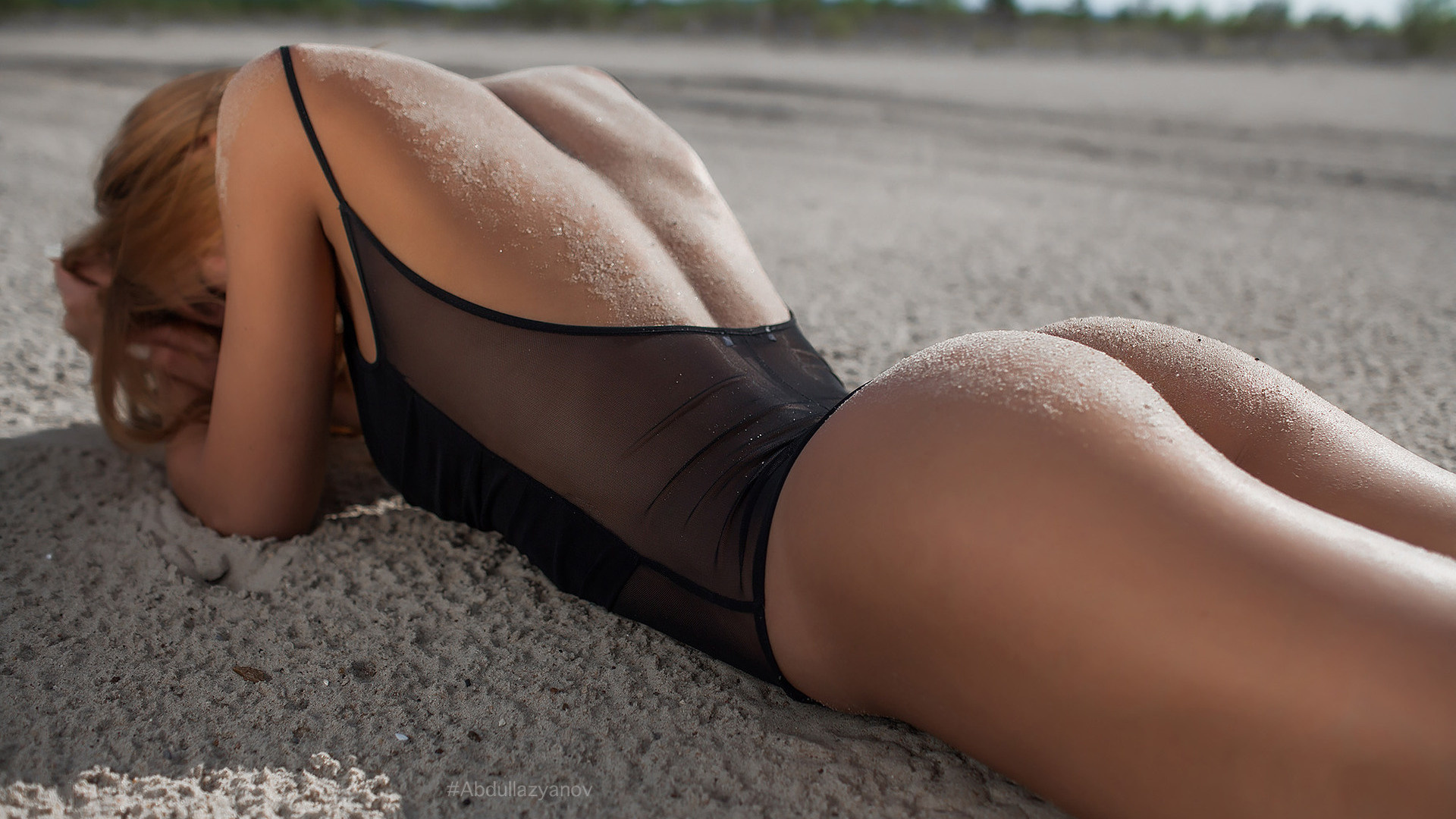 Big ass squat bikini, black hair, long hair