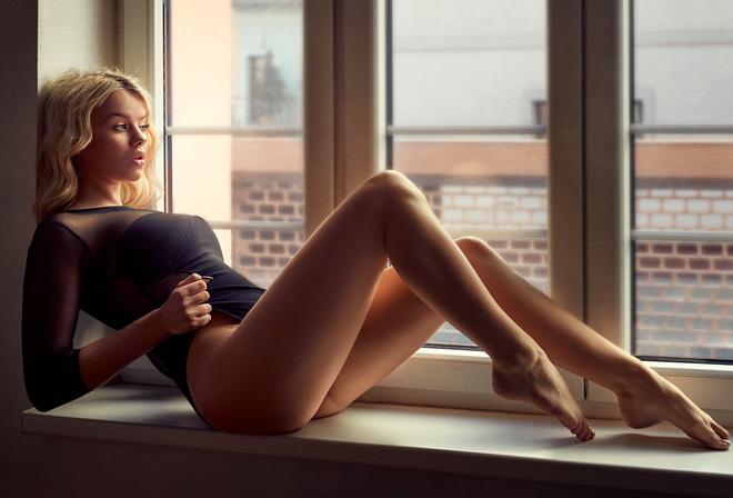 Shemale on girl anal