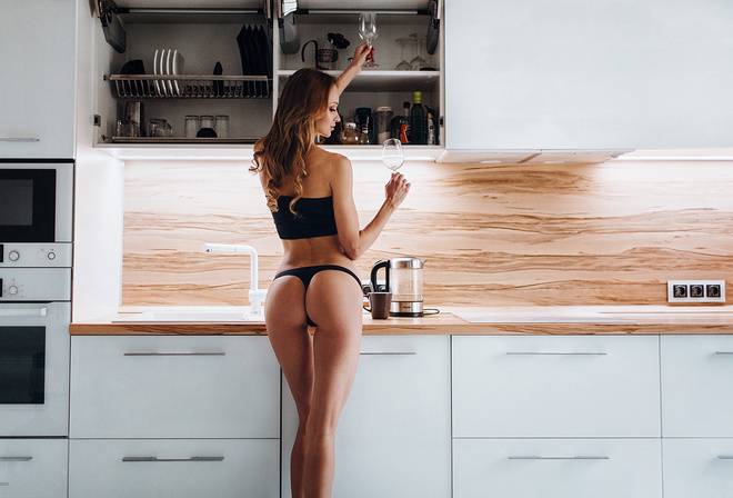Стринги на кухне