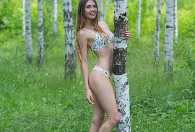 Разделась в лесу дала могу