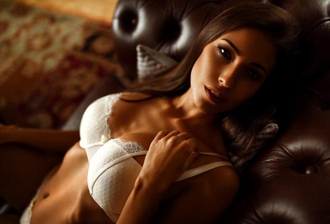 Kari brunette nude photo