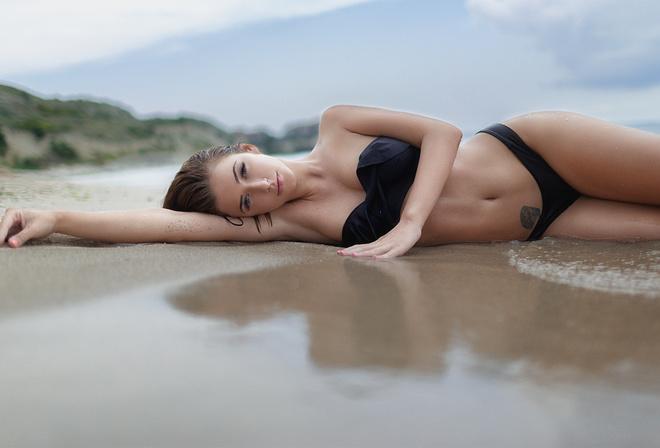 Big tit brunette milf