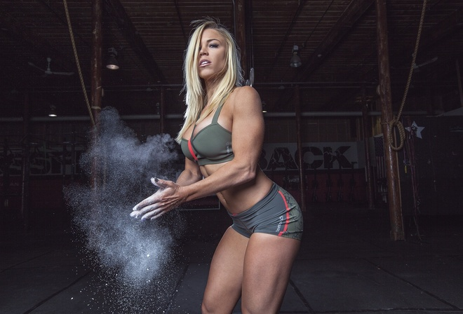 pose, female, workout, sportswear, Talc, Laura Drain