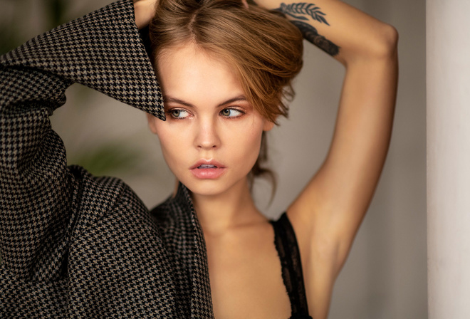women, Anastasia Scheglova, tattoo, blonde, pink lipstick, portrait, brunette, looking away, armpits