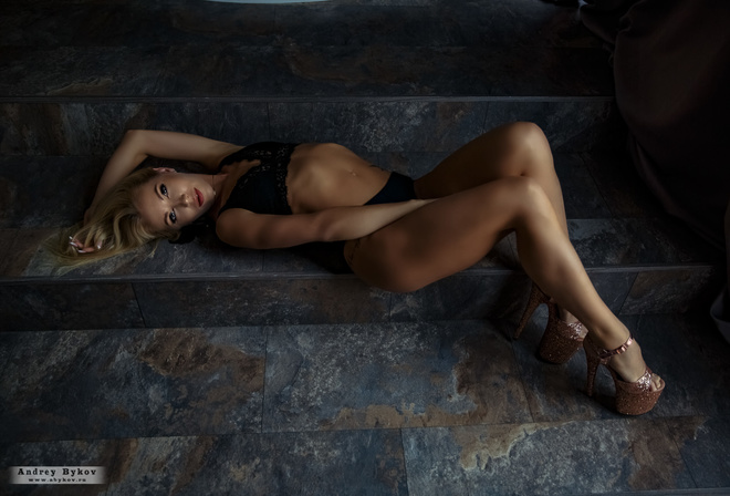 women, blonde, brunette, stairs, women indoors, black lingerie, Andrey Bykov, ribs, top view, tattoo, high heels, belly, curtain, cleavage