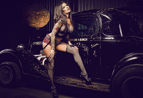 Veronica Gomez, pin-up, stockings, car