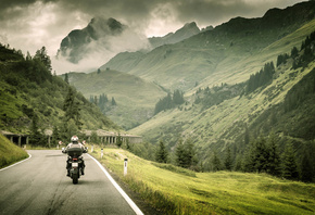 пейзаж, мотоцикл, moto, bike, байкер, biker, байк, дорога, разметка, природа, леса, трава, дымкою, тумана, окутаны, горы, full throttle, travel, my planet, размытость, боке