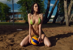 women, model, brunette, bikini, kneeling, balls, black hairf, lat belly, Al ...