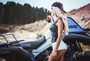 women, blonde, ass, jean shorts, ATVs, women outdoors, baseball caps, brunette, wavy hair, portrait, painted nails, Fotoshi Toshi aka Anton Harisov